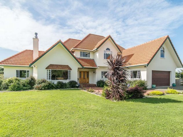 Exceptional Equestrian Family Residence