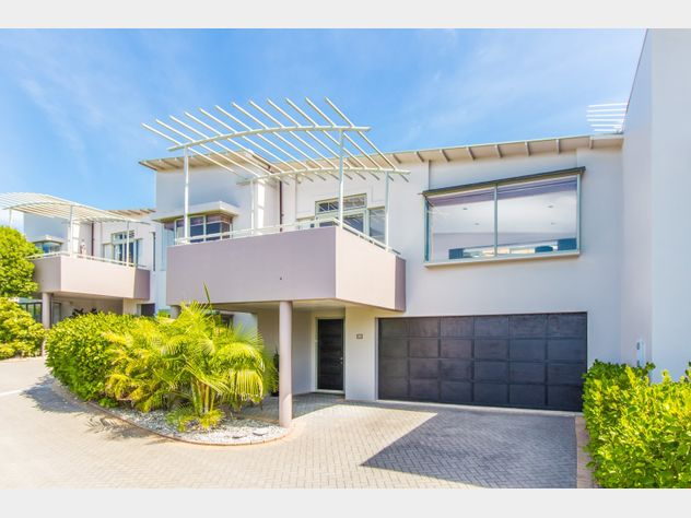 Sensational Style, Space & A Lovely Sea View!