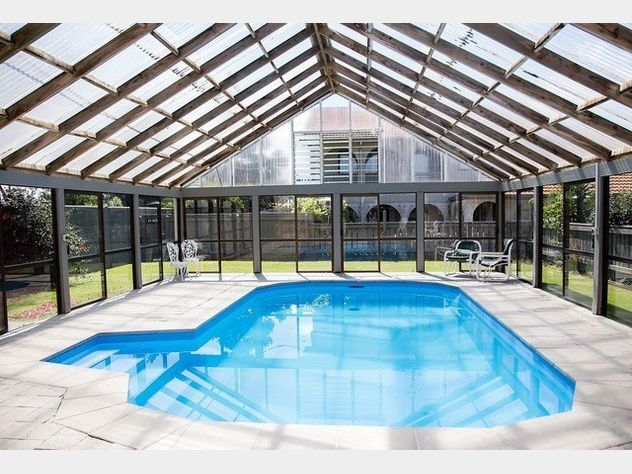 Motel investment property palmerston north for Palmerston north swimming pool