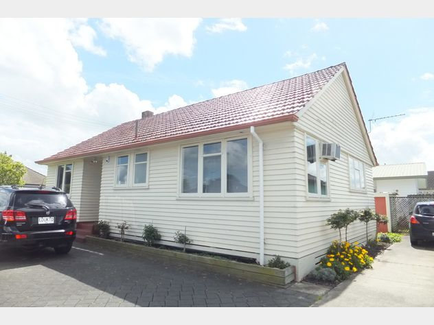 INVESTMENT - COMMERCIAL OFFICE & RESIDENTIAL HOME