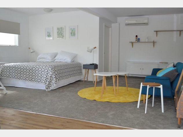 Cute Furnished Studio Apartment in Palm Beach
