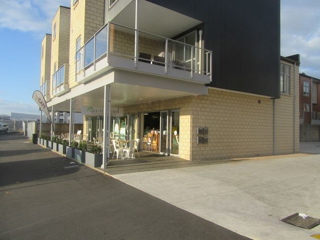 Investment - Central CBD Cafe