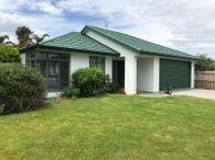 Vendor's committed to sell & have seriously slashed their price to $645,000