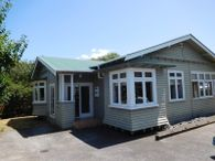 3 BEDROOM TAKAPUNA HOME WITH CHARACTER & CHARM
