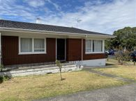 Neat and tidy three bedroom unit in Mt Eden
